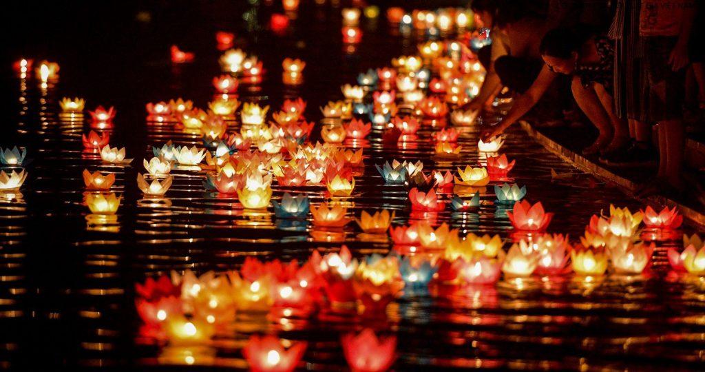 đèn hoa đăng Hội An